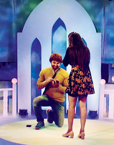 Vikrant proposes to Monalisa