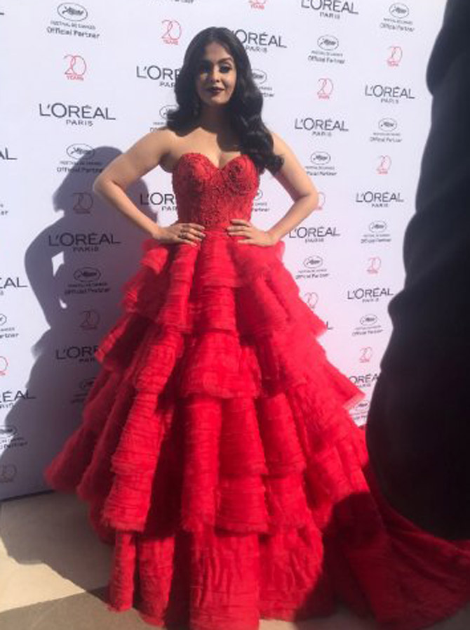 Cannes 2017: Aishwarya Rai Bachchan's red carpet look is mesmerising