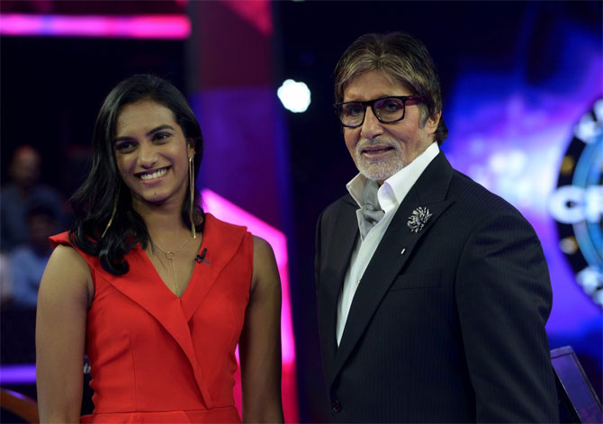 Amitabh Bachchan hs an 'extraordinary meeting' with PV Sindhu on KBC