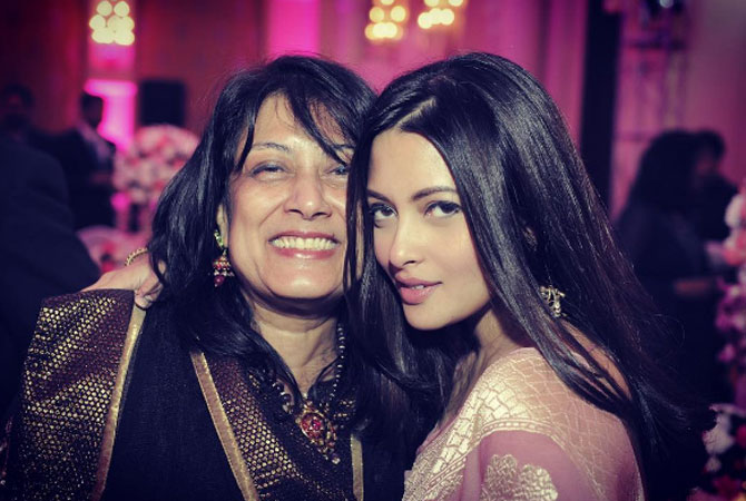 Riya Sen shares photo with mother-in-law from her lavish wedding reception