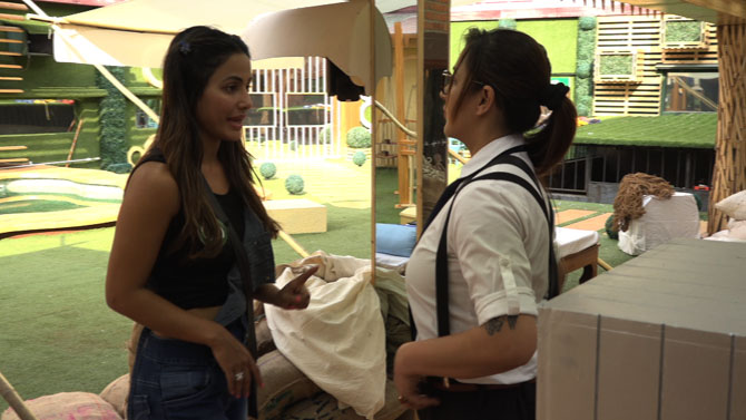 Bigg Boss 11 Day 30: Akash Dadlani gets a new haircut from Shilpa-Hina