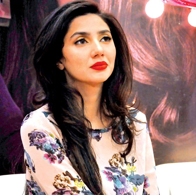Mahira Khan is in awe of Katrina Kaif's hit song 'Kaala Chashma'