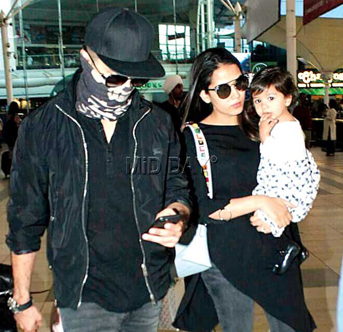Shahid Kapoor with wife Mira and daughter Misha. Pic/Yogen Shah