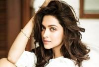 Here is Deepika Padukone's attempt at poetry in the 7th grade